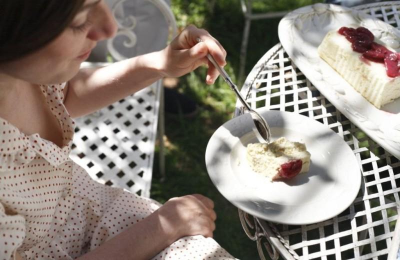 Добавь красок: может ли цвет еды и посуды влиять на аппетит?