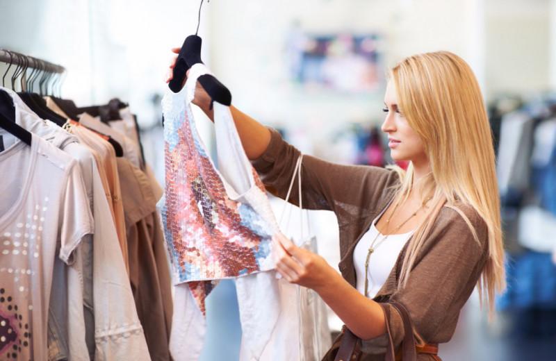 Если бюджет ограничен: на какую одежду стоит тратить деньги, а на какую нет