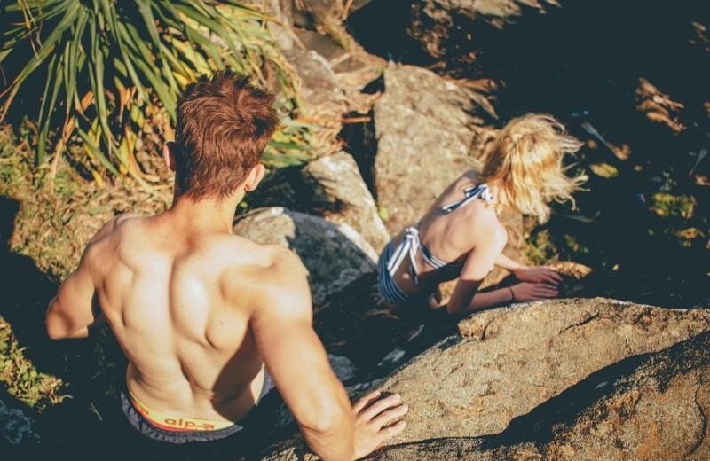 У твоей девушки есть лучший друг? 4 способа не ревновать ее к нему