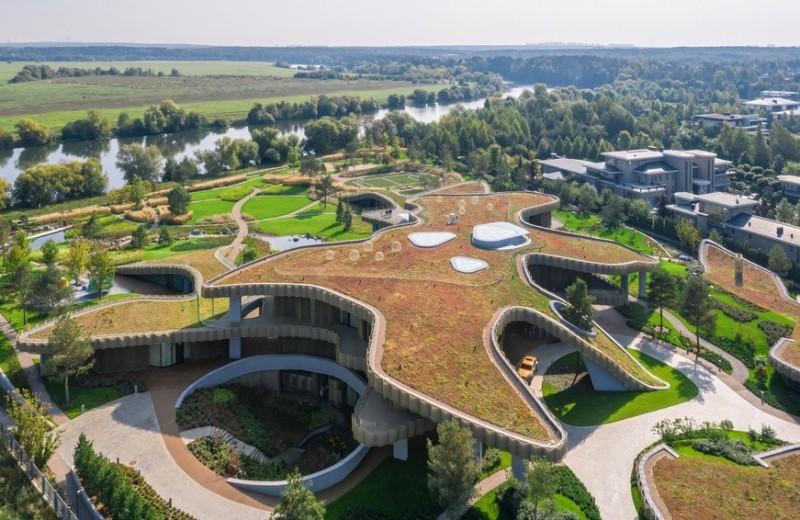 Архитектурное чудо за МКАДом: самые необычные виллы Подмосковья
