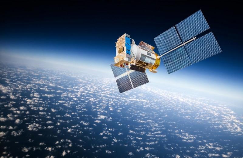 Илон Маск и его спутники: почему раздача интернета из космоса под угрозой срыва