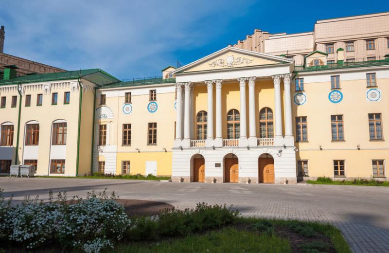 Вдовий дом, богадельня и приют для малолетних преступников: кому и как помогали московские меценаты прошлого