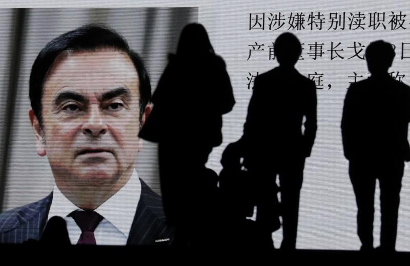 Маска, бывший спецназовец и два черных ящика: как экс-глава Renault сбежал из Японии за $20 млн