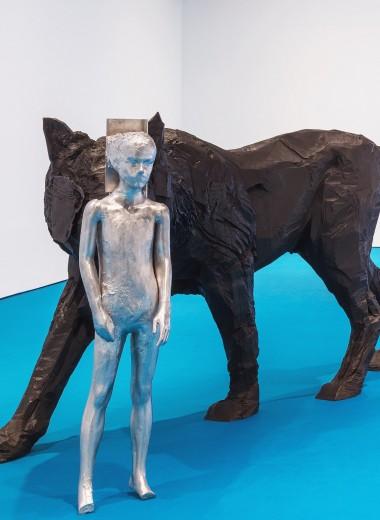 Манекены, волки, Сухуми и постцифровой мир: как устроена вселенная Андро Векуа