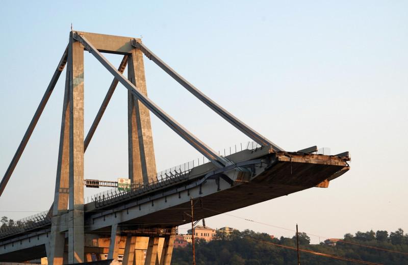 Почему разрушаются мосты: 5 причин и примеров