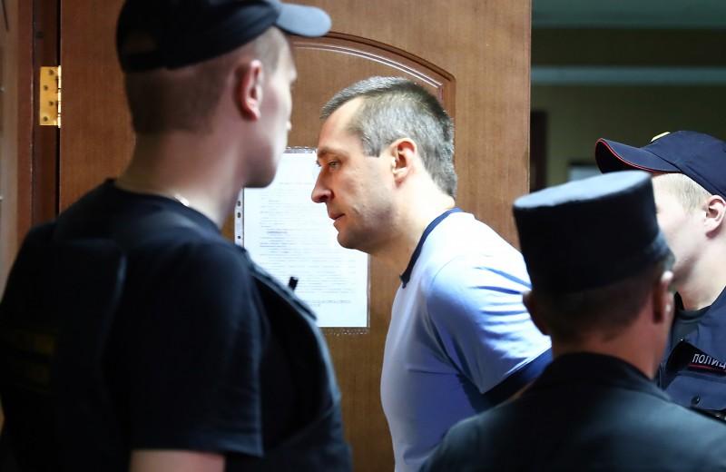 Суд признал полковника Захарченко виновным в получении взятки в $800 тысяч
