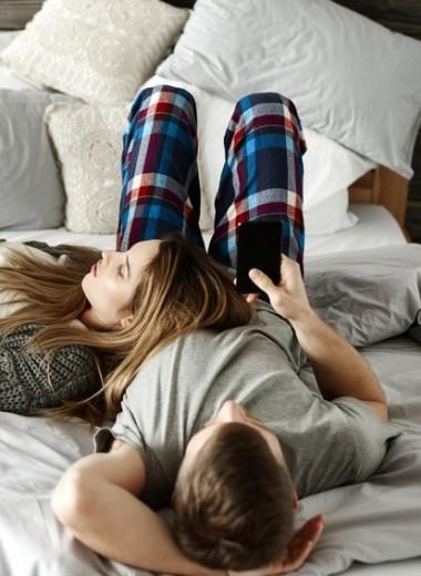 Либералы предпочитают Netflix: ученые выяснили, как пандемия изменила сексуальную жизнь