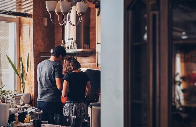 Как перестать ругаться сдевушкой из-за домашних обязанностей? 6советов для обретения мира