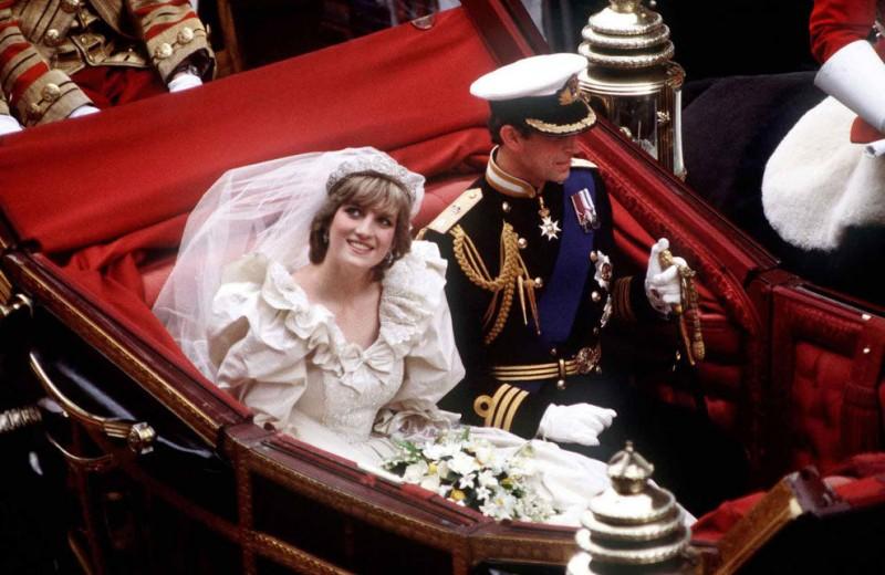 Откуда пришла традиция надевать на свадьбу белое платье