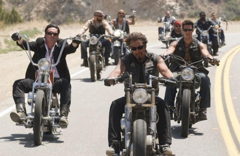 От «Беспечного ездока» до «Безумного Макса»: 9 самых крутых фильмов с мотоциклами