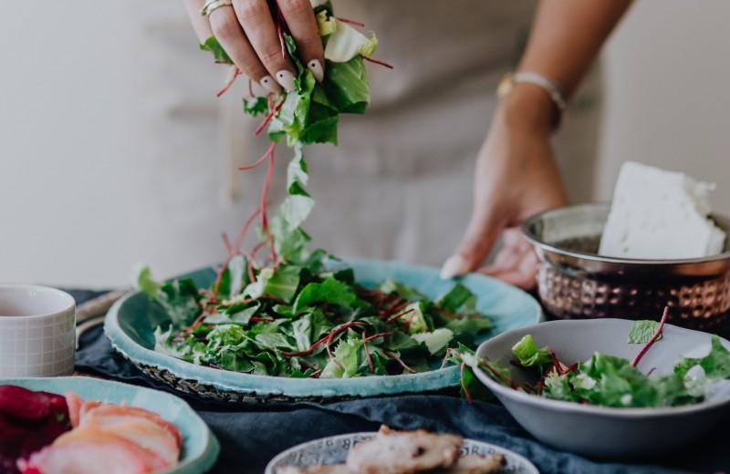 Теплые салаты: 5 классных зимних рецептов