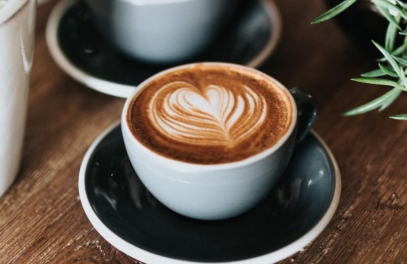 Сколько стоит чашка кофе: из зерен, капсул, банки