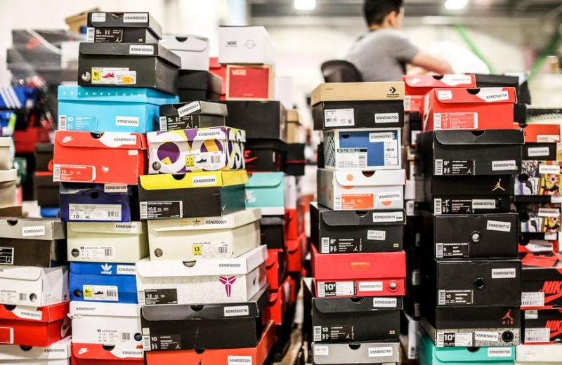 Хакер украл данные клиентов биржи кроссовок StockX, в которую инвестировал фонд Юрия Мильнера