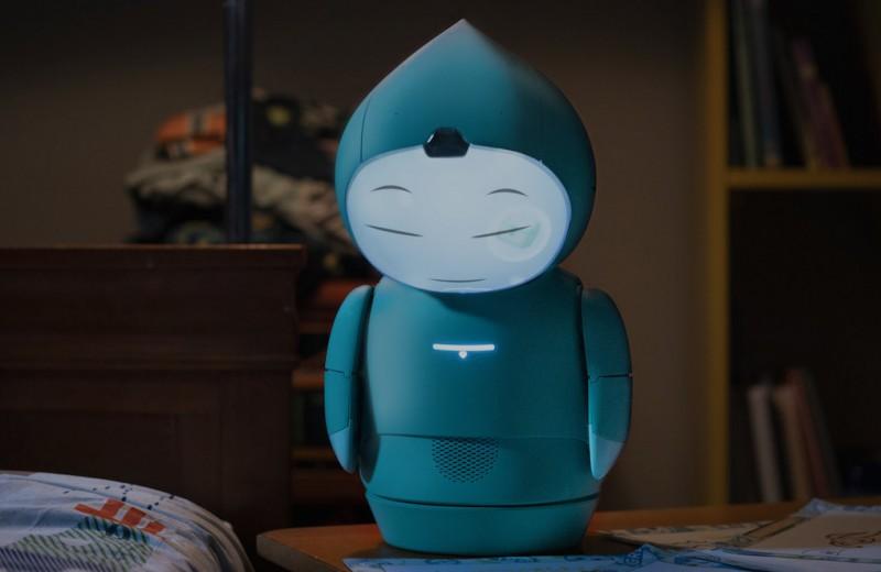 Робот с ИИ научит детей эмоциям и поможет в социализации