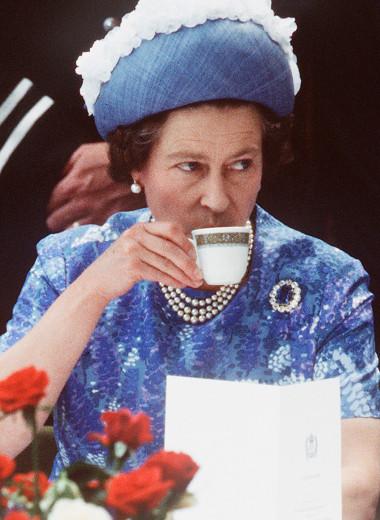 Шорты и сахар: 10 самых странных правил королевского этикета