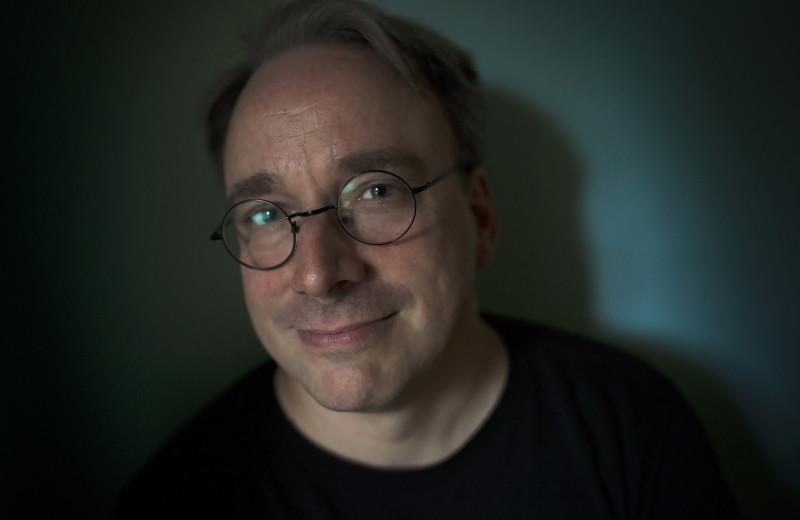 Ему — можно: неполиткорректный создатель Linux снова в строю