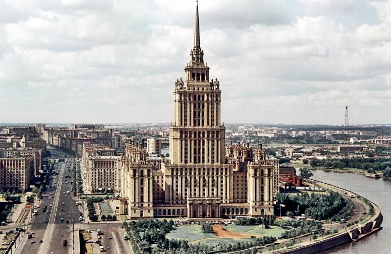 План-схема: все самые важные места экс-гостиницы «Украина» и окрестностей