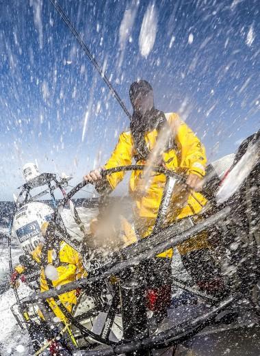 Пабы, крабы и пираты: особенности яхтинга в разных регионах