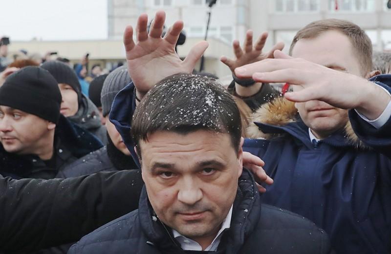 Главу района побили, губернатора закидали снежками. Ситуация в Волоколамске обостряется