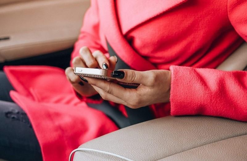 Интернет и соцсети: как они разрушают твои отношения
