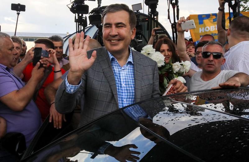 «Я помогу избавиться от барыжников»: зачем Саакашвили вернулся на Украину