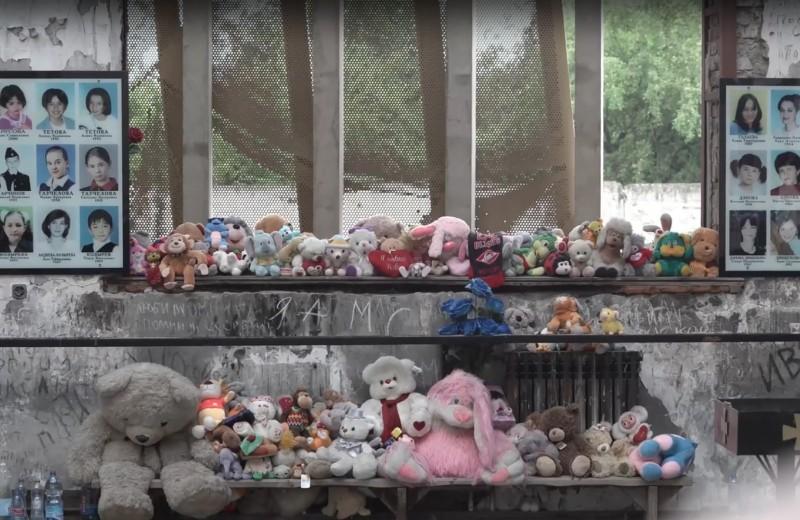 «Он не про поиск виноватых. Он о людях»: Юрий Дудь сделал документальный фильм о трагедии в Беслане