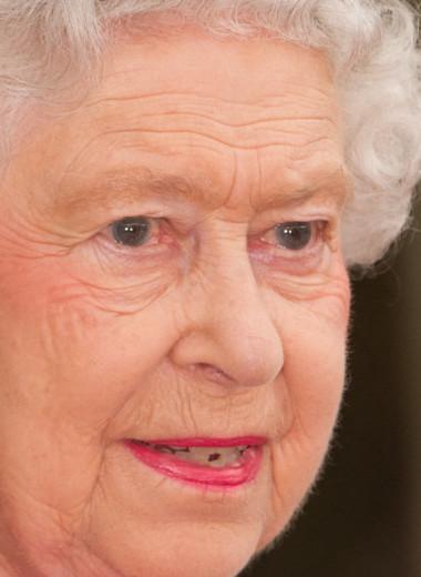 Как менялась Елизавета II: жизнь королевы Британии в трогательных фото
