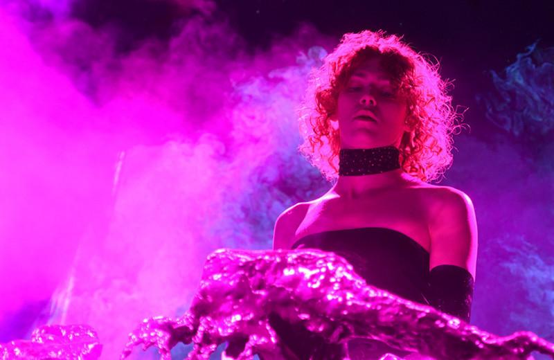 Прощай, SOPHIE: как самая известная небинарная певица изменила мировую музыку