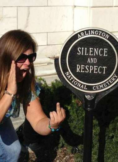Как всего одна шутка превратила Линдси Стоун в девушку, которую возненавидела Америка