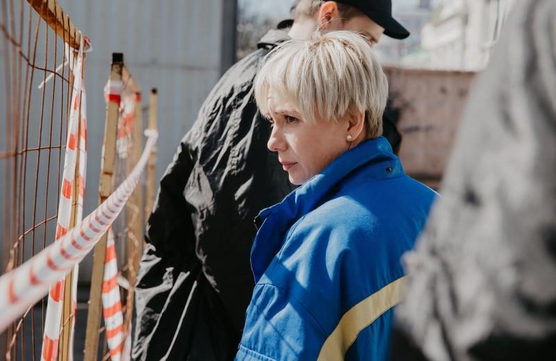 Рецензия: «Доктор Лиза» — фильм с Чулпан Хаматовой, который пытается всех обнять