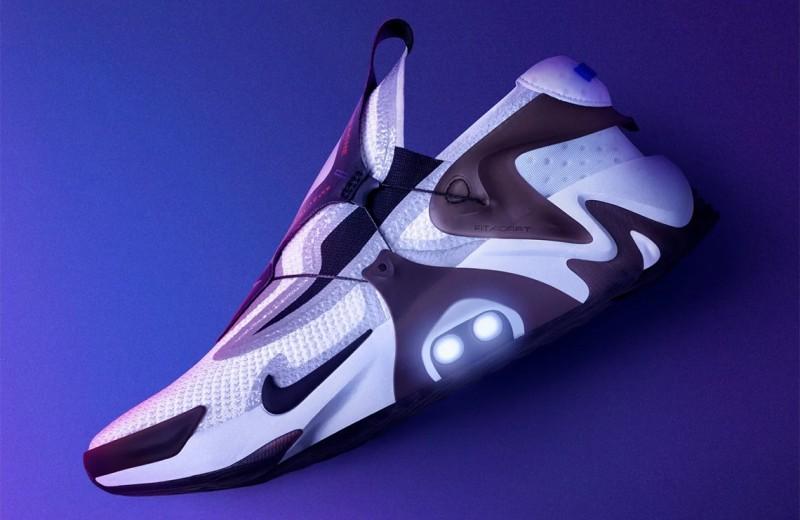Nike выпустили кроссовки как в «Назад в будущее»