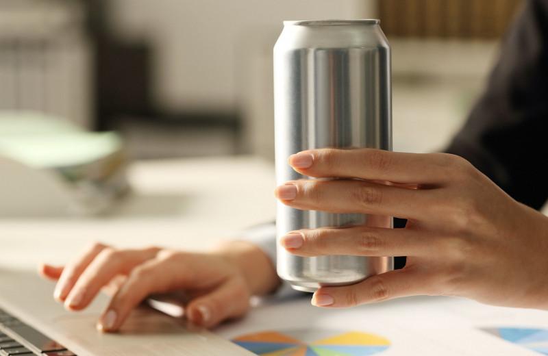 Вред или польза: вся правда об энергетических напитках