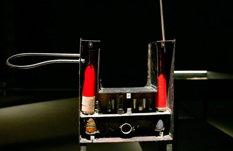 Как устроен терменвокс — единственный в мире бесконтактный музыкальный инструмент