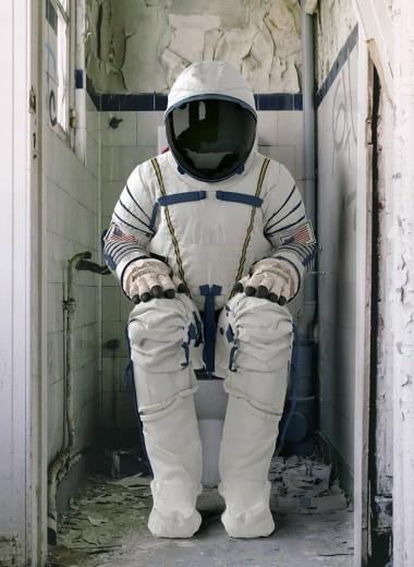 Как устроен туалет на глубине, в воздухе и в космосе: деликатный вопрос