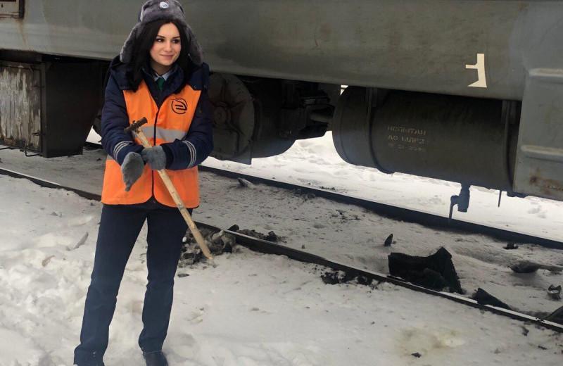 Елена Лысенко — первая в России женщина-машинист электрички. Из-за стереотипов и закона её путь к мечте занял 10 лет