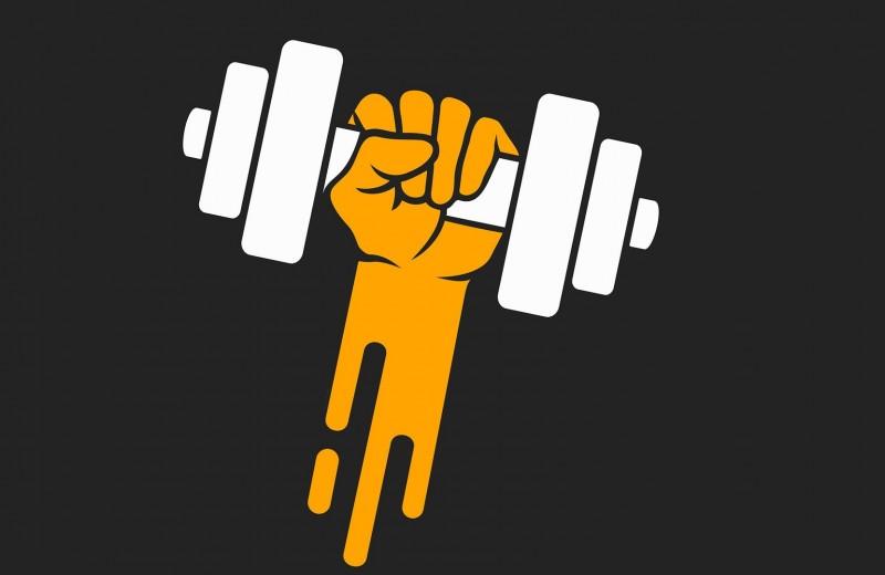 Упражнения со свободным весом, которые помогут выжать максимум из домашнего инвентаря