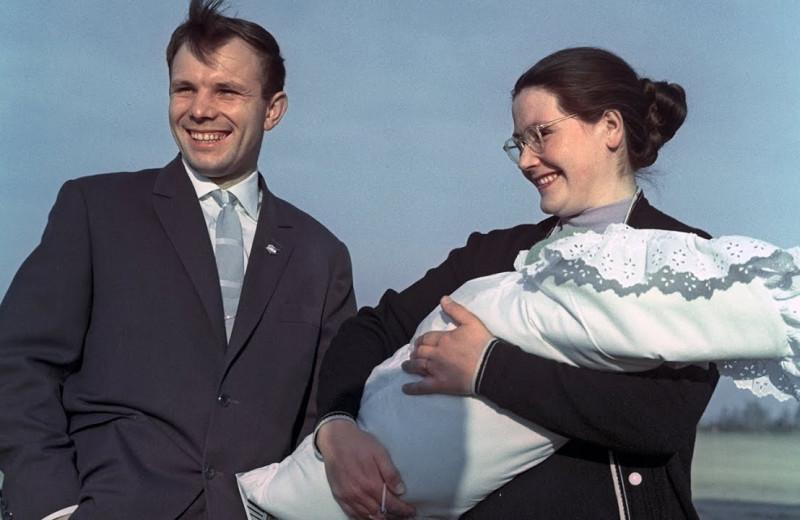 Любимая женщина Юрия Гагарина: Валентина сыграла две свадьбы и родила дочерей