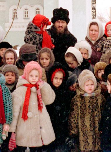 «Mersedes на детские деньги»: история самого многодетного отца России