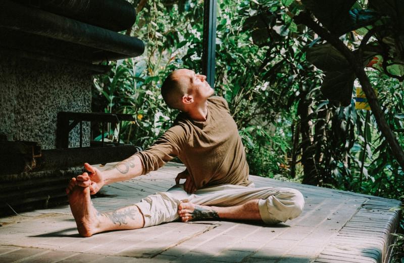 Почему вам пора заняться медитацией: полезный гид по практике осознанности