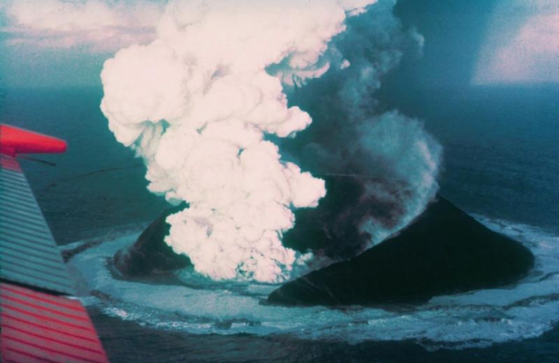 Сюртсей— самый молодой остров на планете, за которым постоянно следят ученые