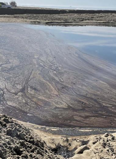 Гигантский разлив нефти в Калифорнии: фото и видео