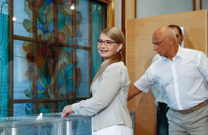 Партия Тимошенко обошла блок Порошенко на выборах в Раду