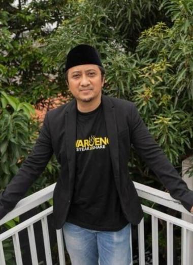 Бывший заключённый, а теперь проповедник двигает фондовый рынок Индонезии через Instagram