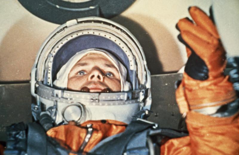 «Гагарин как нереализовавшийся персонаж русской истории». Лев Данилкин — о единственном человеке, подходившем на вакансию героя