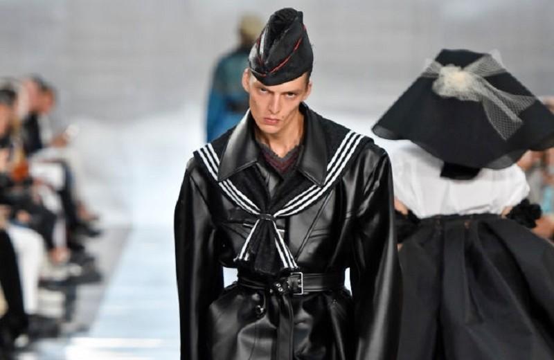 Семидесятые, монохром, деконструкция: лучшие мужские выходы напоказах недели моды вПариже