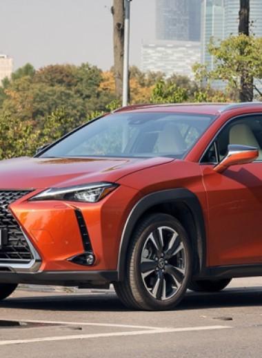 Погоня, деньги, PIN-коды: три мнения о Lexus UX