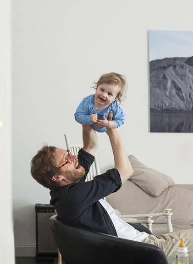 Экономика нового отцовства: готовы ли современные мужчины идти в декрет