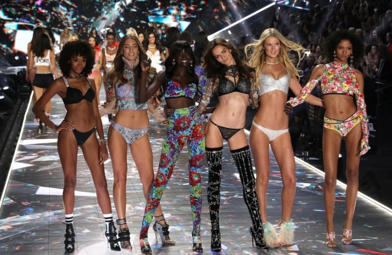 «Ангелы в аду»: NYT рассказала о культуре запугиваний и домогательств в Victoria's Secret