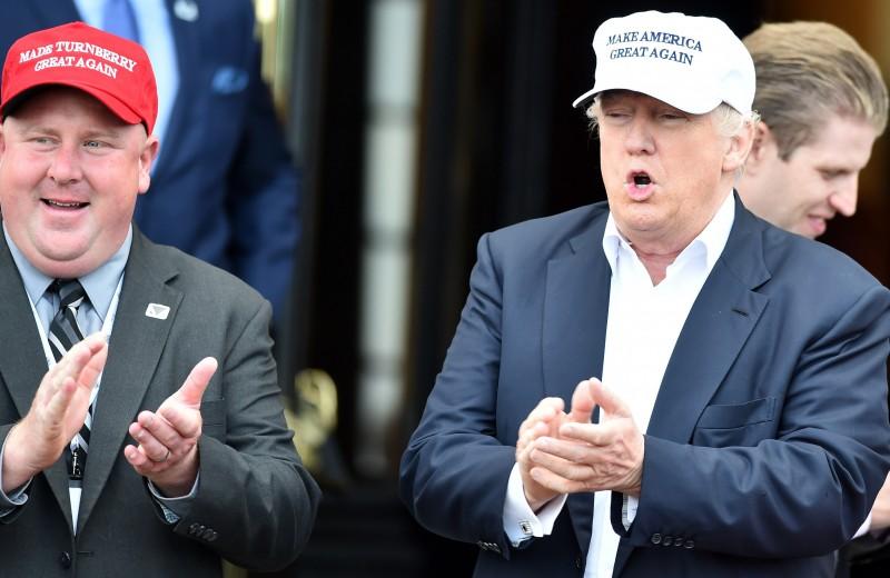 Войны мерча: какую роль в президентской кампании играют сувениры