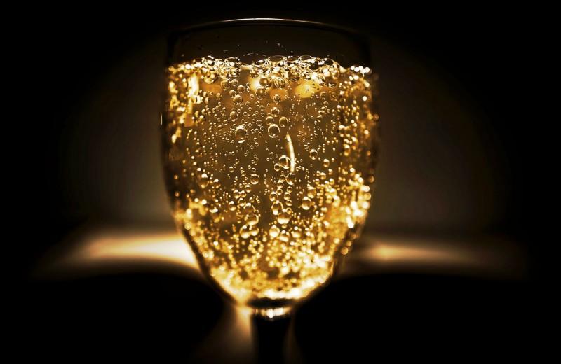 Бей своих. Российское вино и шампанское сильно подорожают